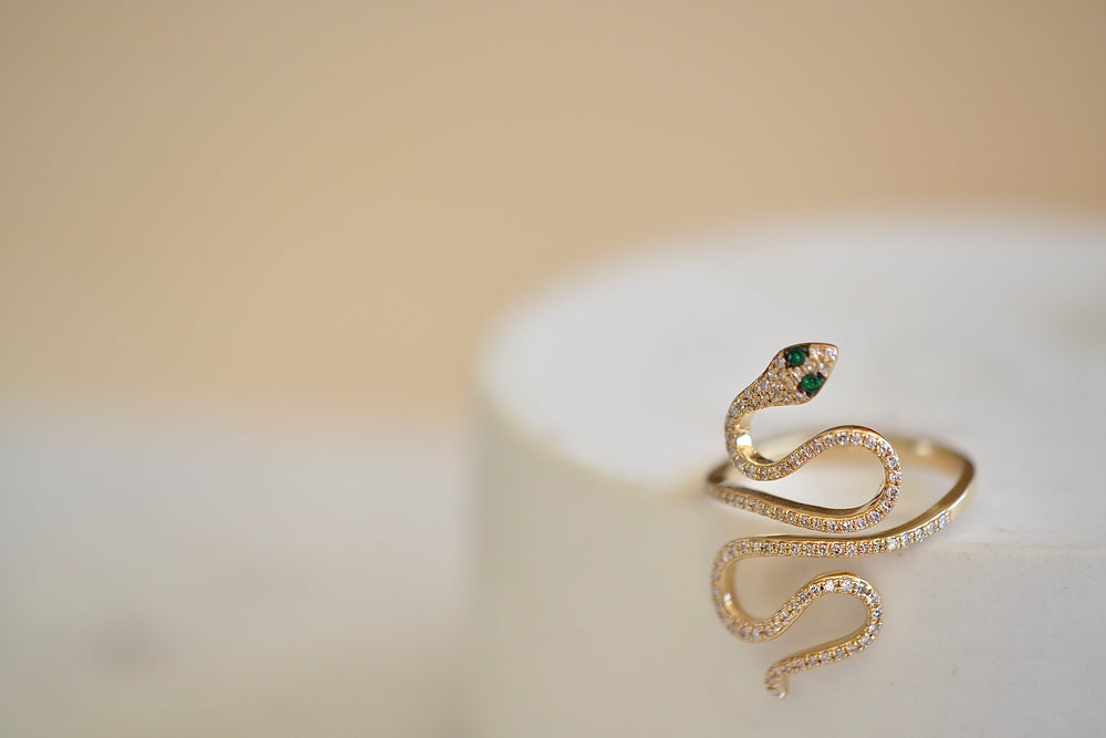 Extra Large Long Snake Pave Pavé ring 14k Yellow Gold Emerald Green Eyes
