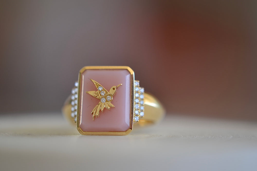 Sorellina Pink Opal Hummingbird Signet Ring 18k yellow Gold Diamonds tapered band