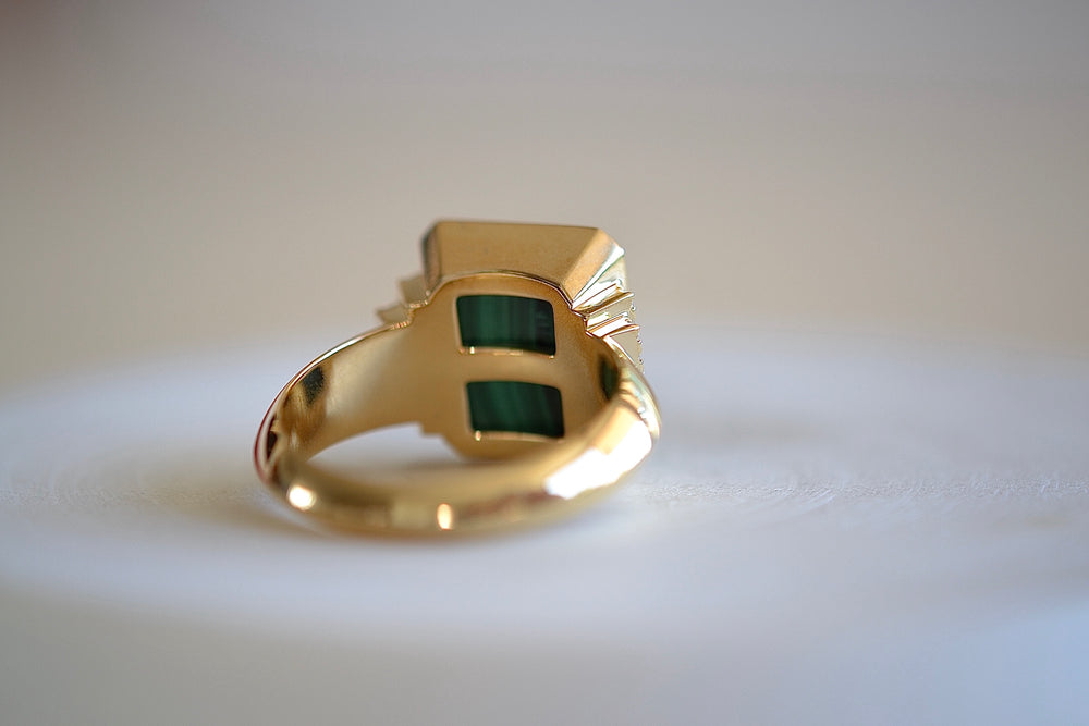 Sorellina Initial Signet Ring 18k yellow Gold Diamonds Malachite