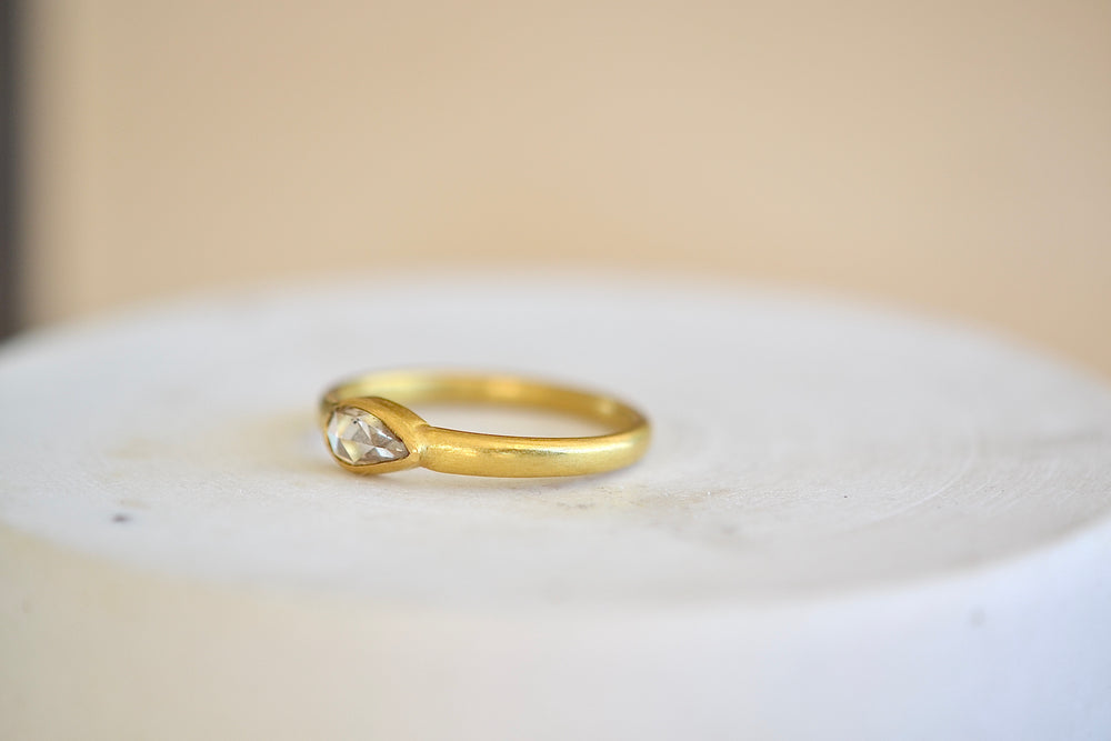 Load image into Gallery viewer, Tej Kothari Champagne Diamond Ring 22k yellow gold rose cut teardrop one of a kind