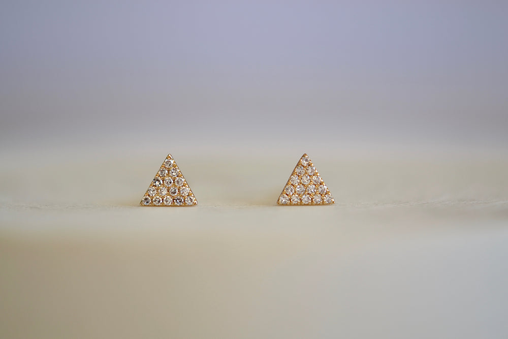 OK Triangle Pave pavé Studs fifteen 15 white diamonds each 14k yellow gold