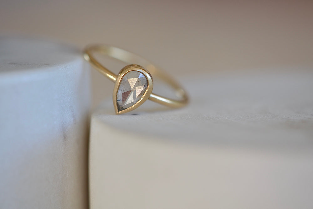 Rebecca Overmann White Teardrop Pear Clear Faceted Diamond Ring rose cut 14k yellow gold band