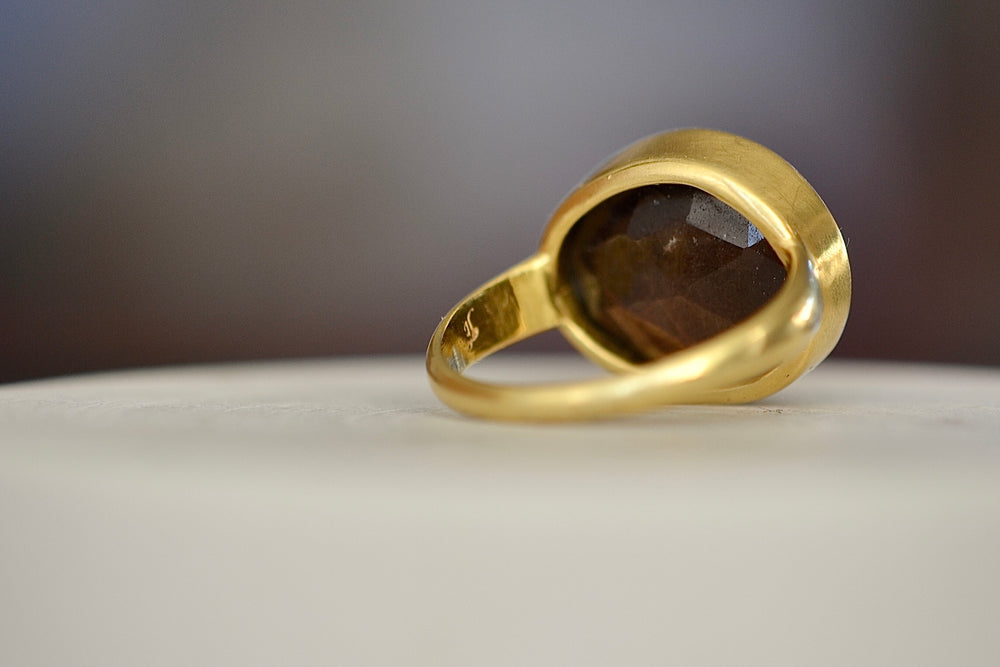 Load image into Gallery viewer, Honey Sapphire Large Greek Ring