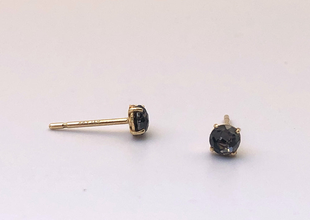 Suzanne Kalan 14k Yellow Gold round 4 Four prong studs