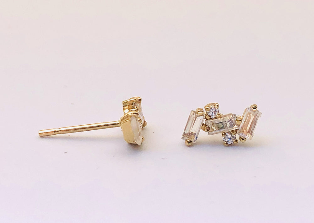 Load image into Gallery viewer, Suzanne Kalan 14K Baguette Cluster Studs