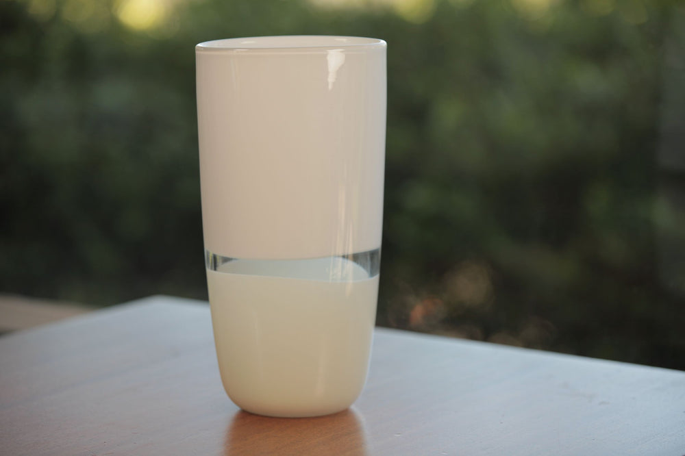 Load image into Gallery viewer, Lattimo White & Ivory Flat Cylinder Vase Small
