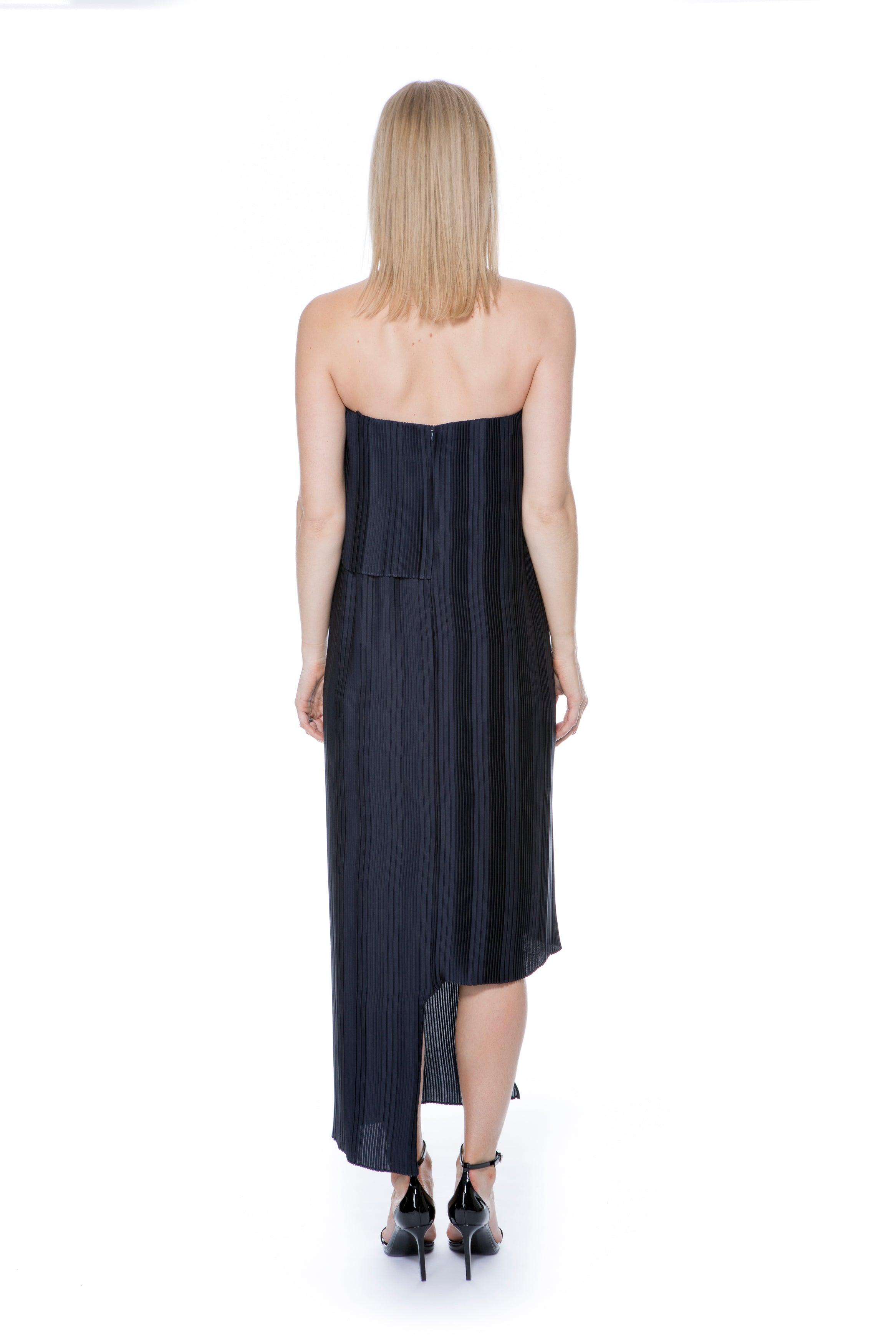 STRAPLESS NAVY PLEAT LAYERED DRESS