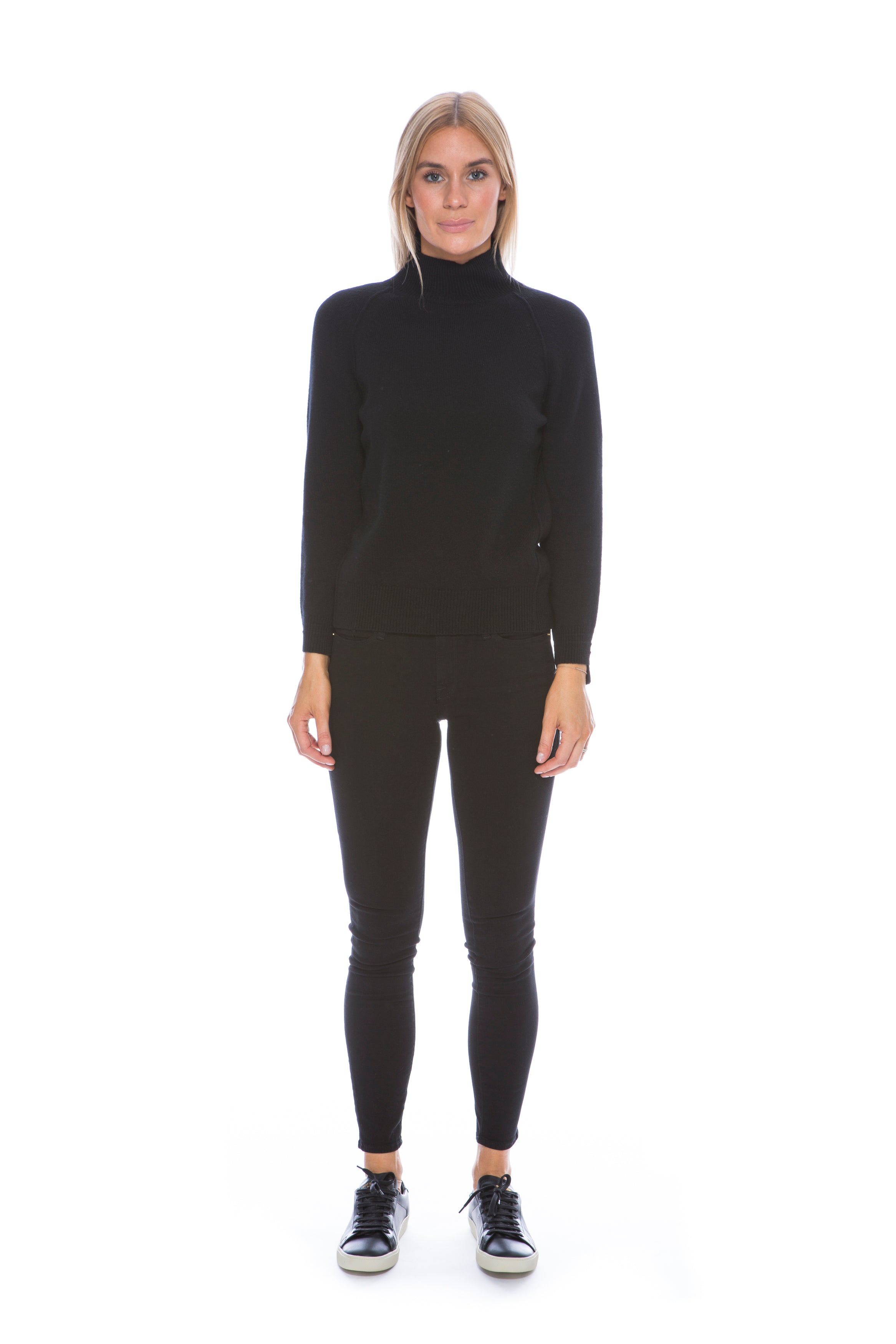 CASHMERE TURTLENECK BLACK