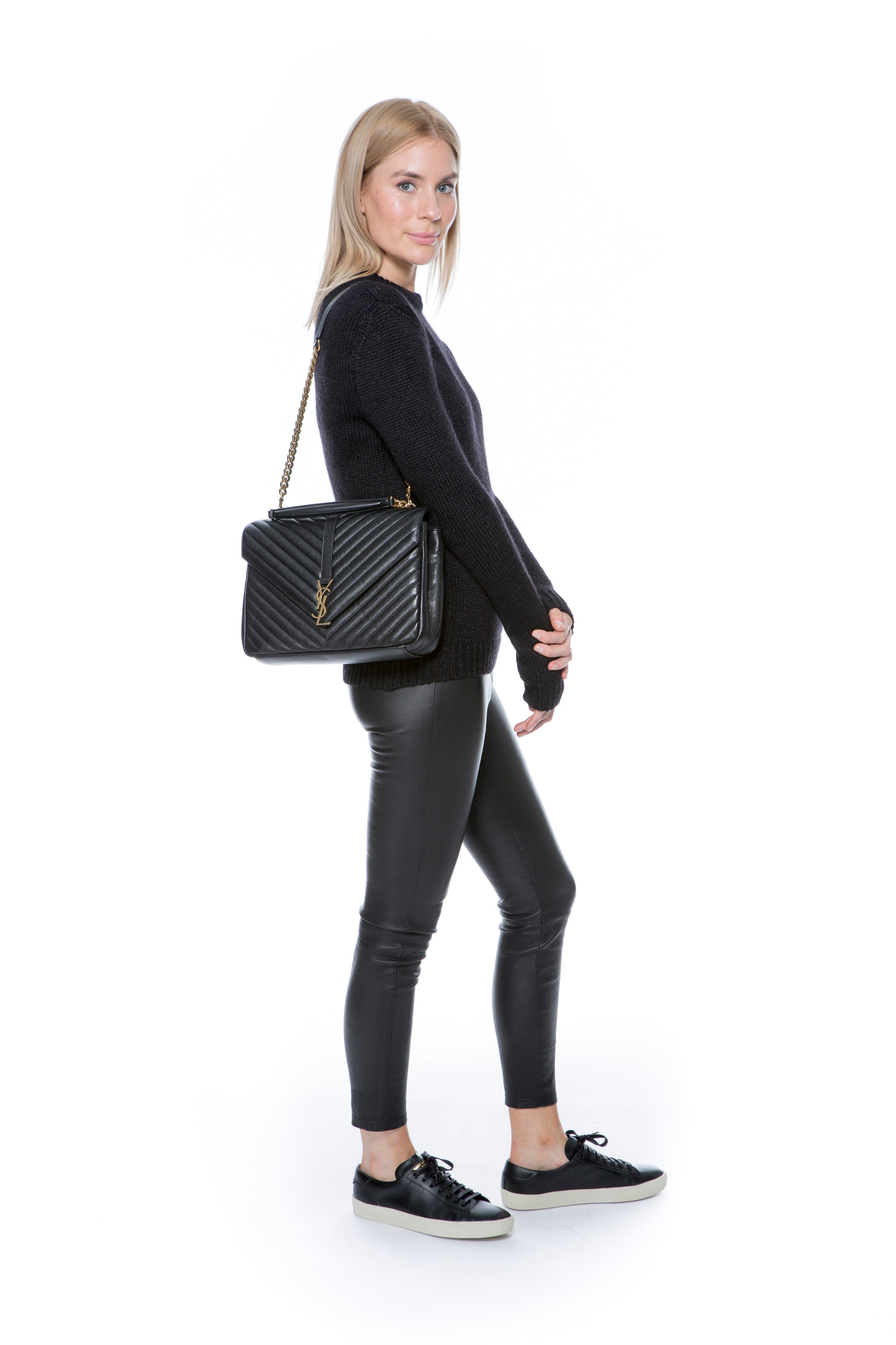 CLASSIC LARGE COLLÈGE BAG IN BLACK MATELASSÉ LEATHER
