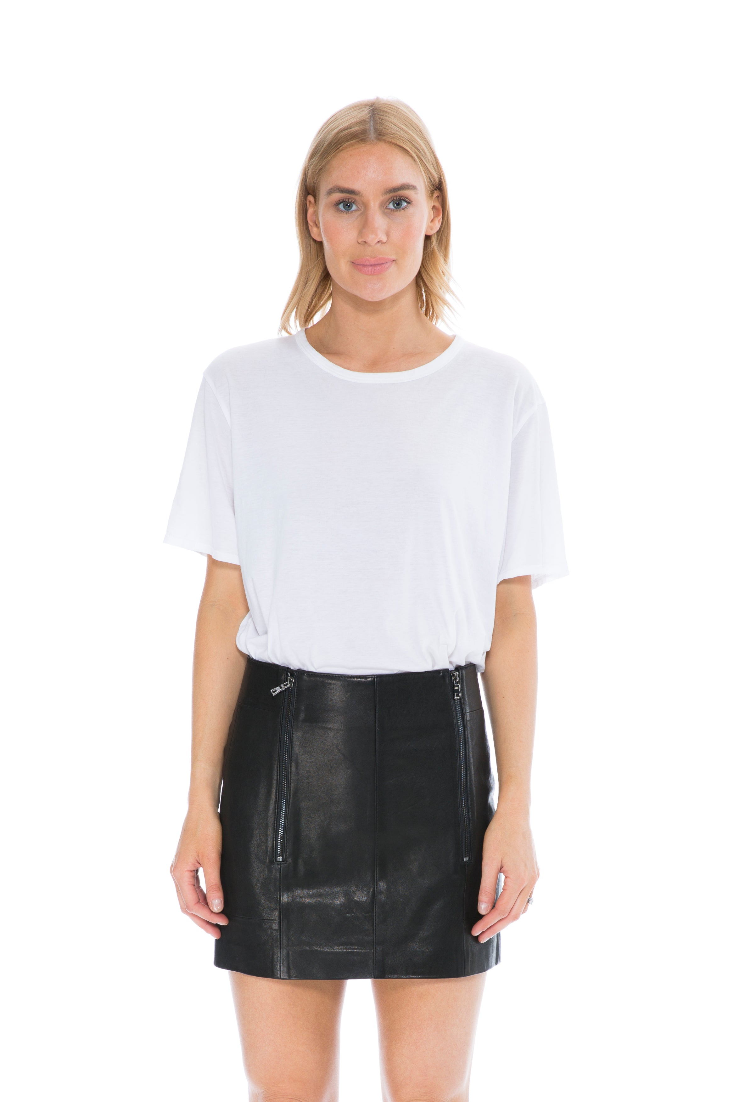 LEATHER SKIRT WITH ZIP DETAIL