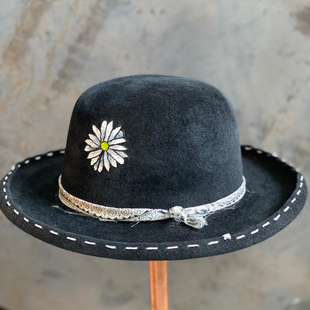 Painted Daisy Hat ***SALE***