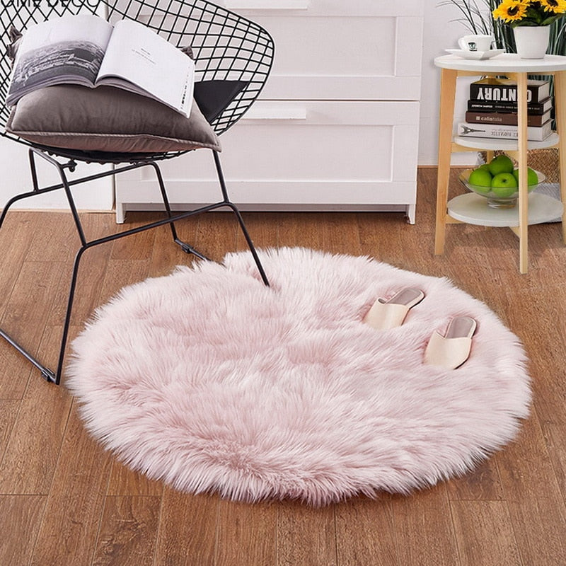 Round Sheepskin Rug (4 Colors)
