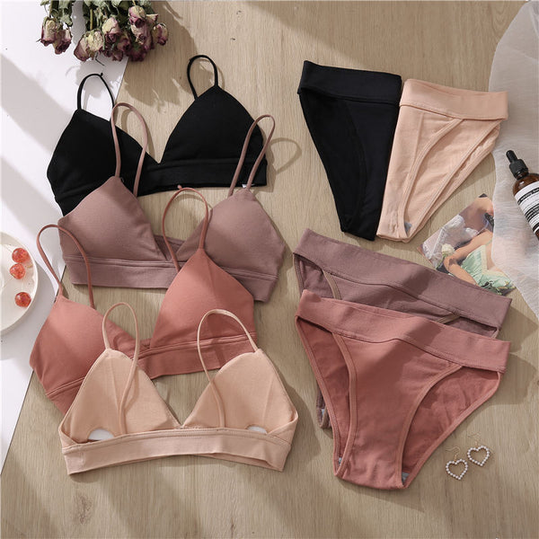 Underwear Set (1 Bra and 2 Panties)