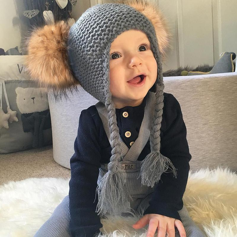 2-piece Baby's hat and scarf with genuine wool and fur set