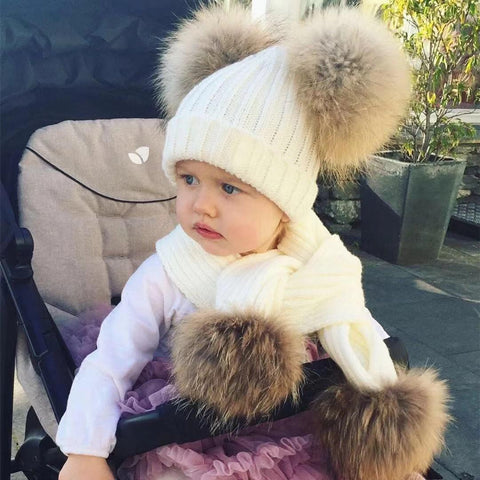 2-picec Children raccoon fur cap with two balls to protect ears and twist braid knitted warm wool hat