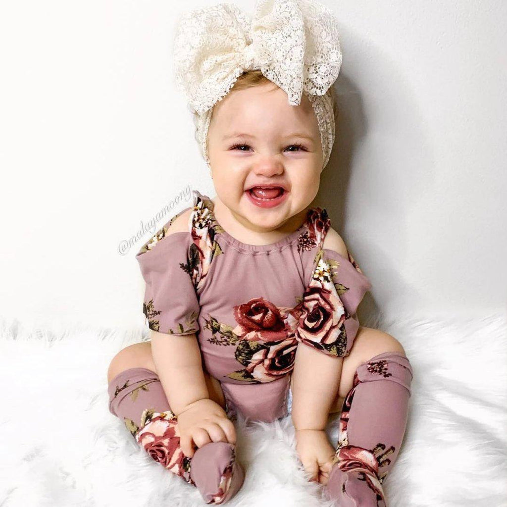 2-piece Sassy Flower Suit