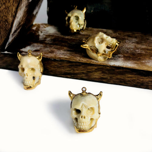 Skull Bone Pendant with Electroplated 24k Gold Edge (S52B27b-01)