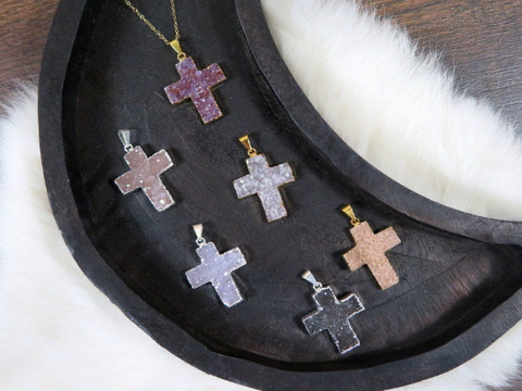 Druzy Cross Pendant in Electroplated Silver edge and bail (S1b31-05)