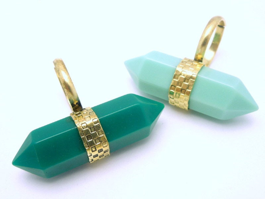 Tibetan-style Brass and Sea Green Colored Double Termiated Pencil Point Adjustable Ring (S52B7-02)