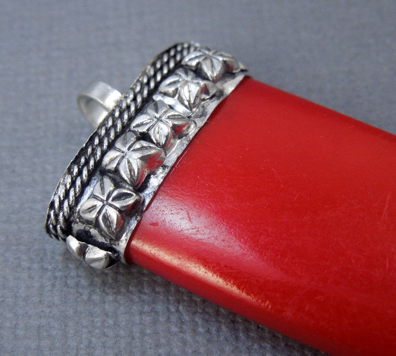 Red Colored Carved Bone Horn Pendant with Engraved Silver Cap (S55B20)