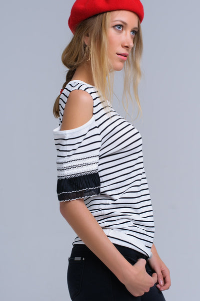 White striped sweater with embroidery - Epethiya