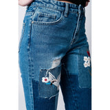 Mom jeans with cloth and embroidered floral patches - Epethiya