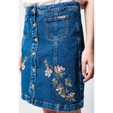 Denim skirt with flower embroidery and front buttons - Epethiya