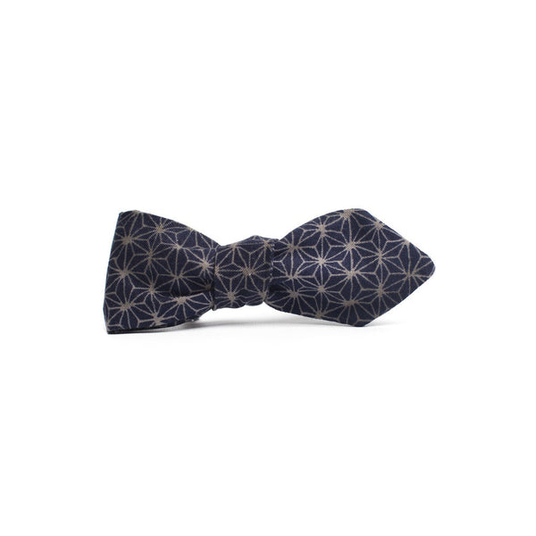 Pointed Geoprint Bowtie - Epethiya