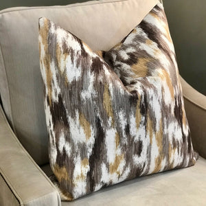 HUNTER SIGNATURE PILLOW
