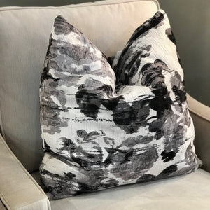 LILY  SIGNATURE PILLOW