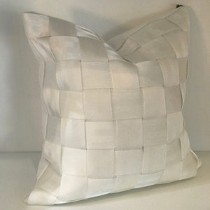 SEAT BELT PILLOW - WHITE