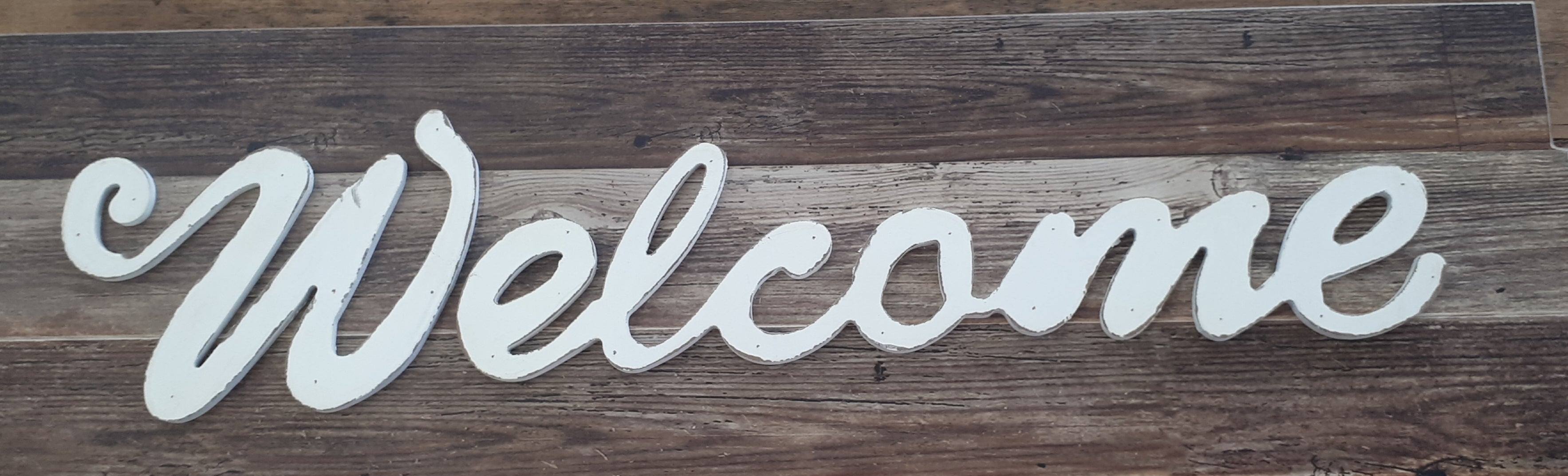 Welcome Sign - Rustic Vintage Charm