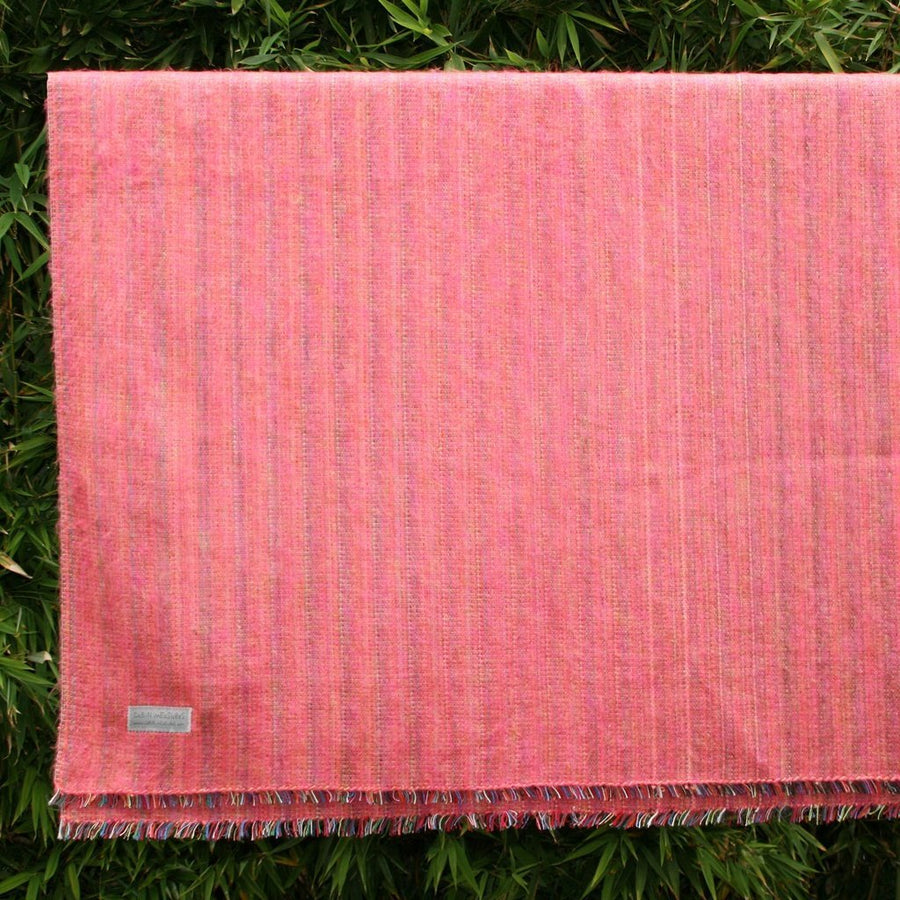 100% Alpaca Travel Blanket in Pink-Home - Throws & Blankets-Cabin Measures-Très Elite