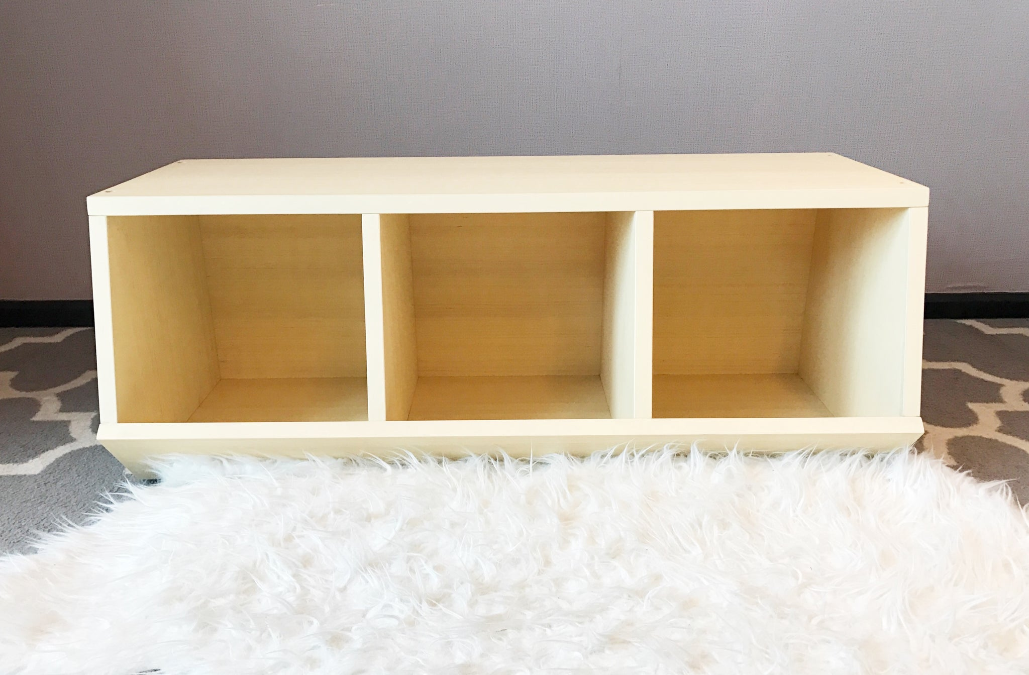 Linear Stackable Geometric Toy Storage Shelf