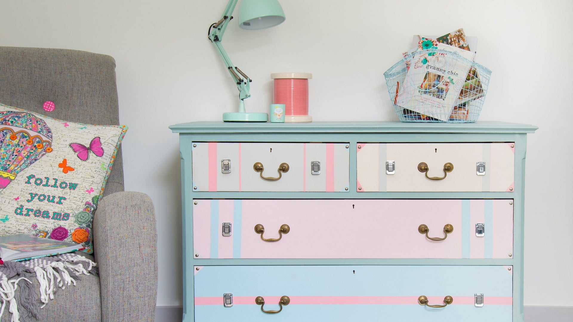 Applying Chalk Paint to Furniture: A Beginner's Guide