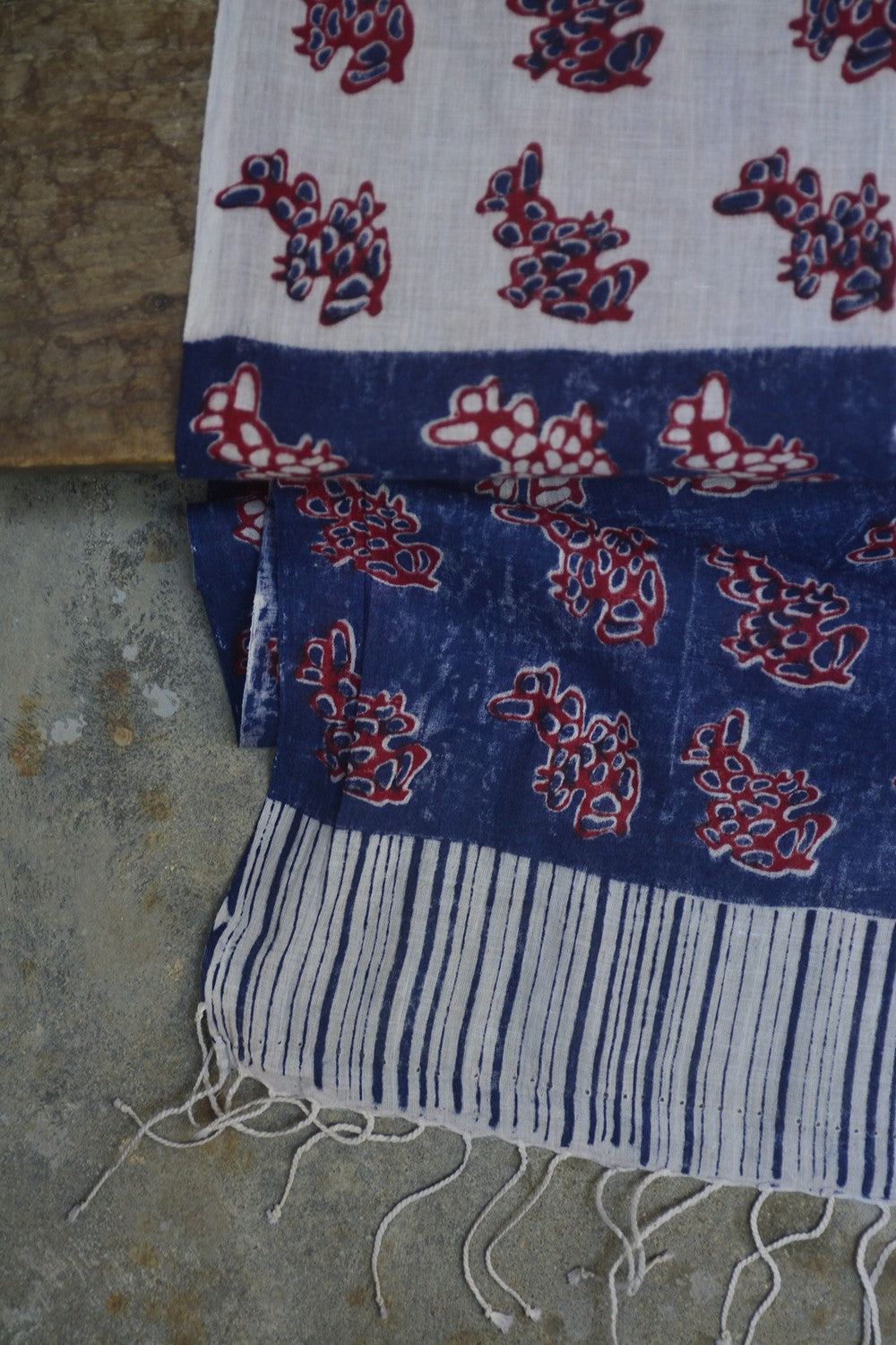 Red and Blue Flower Printed Stole. - metaphorracha
