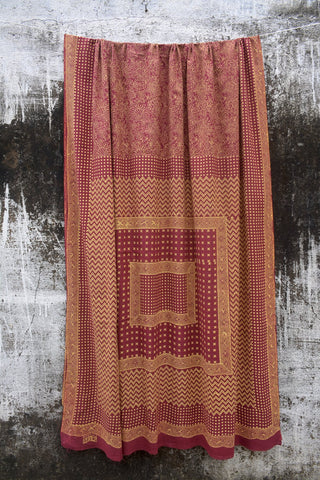 Maroon Coloured Discharge Printed Ambara Charaka Spun & Handwoven Cotton Muslin Saree.