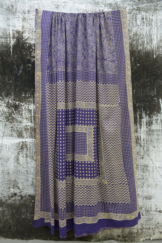 Deep Purple Coloured Discharge Printed Ambara Charaka Spun & Handwoven Cotton Muslin Saree.