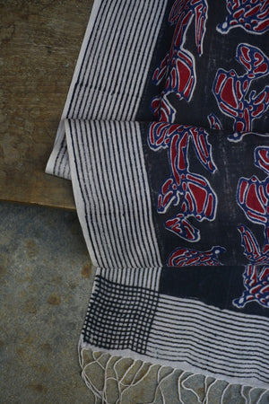 Black and Red Flower Printed Stole. - metaphorracha