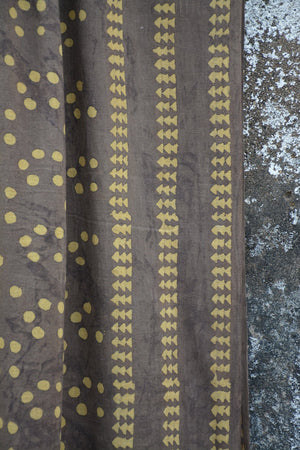 Bubble Dots Dabu Printed Cotton Muslin Stole. - metaphorracha