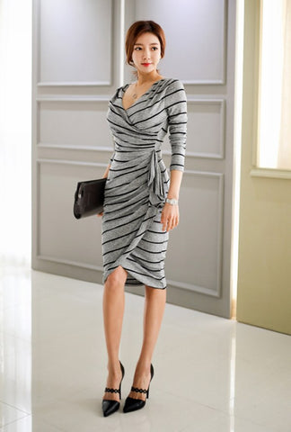 Sophie - Crisscross frilly striped gray dress - Filliae store