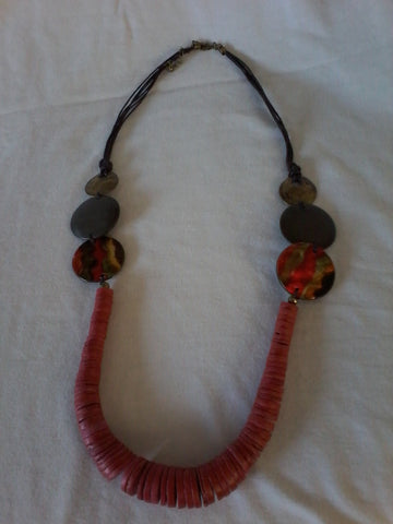 Trina - Red and brown wooden necklace - Filliae store