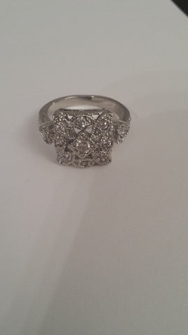 Talulah - Stunning head turner vintage ring great condition - Filliae store