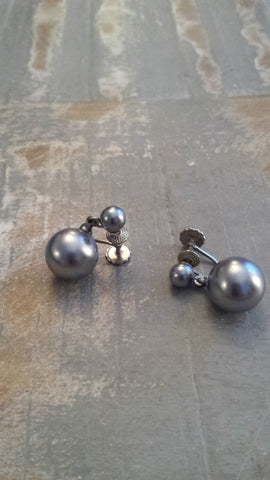 Winifred - beautiful steal gray faux pearl vintage screw back earrings - Filliae store