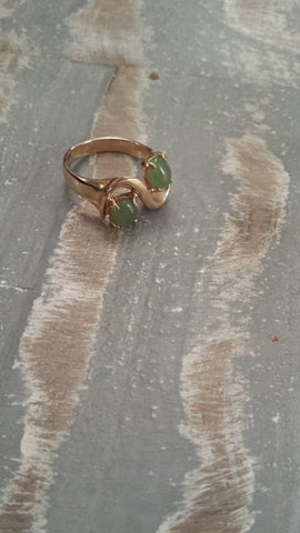 Phoebe - beautiful jade coloured stones in gold plated wave vintage ring - Filliae store