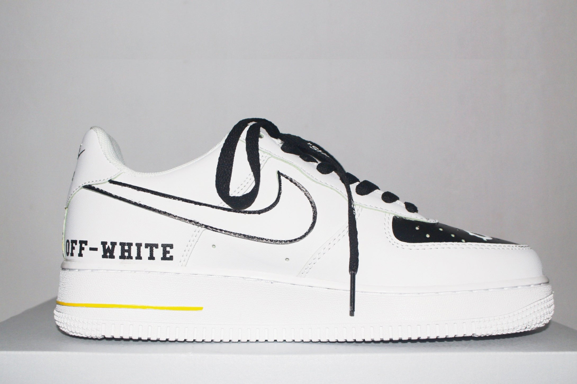 Off-White Air Force 1