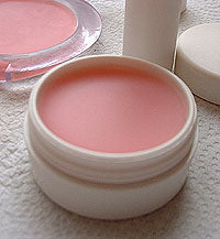 Cosmetics DIY: Lip Scrubs & Lip Balm