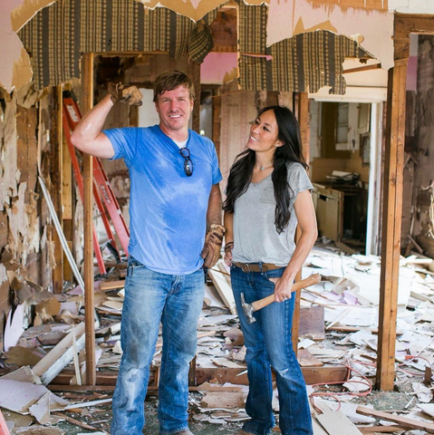 FIXER-UPPER-HGTV-IDEAL-HOME-FURNISHINGS