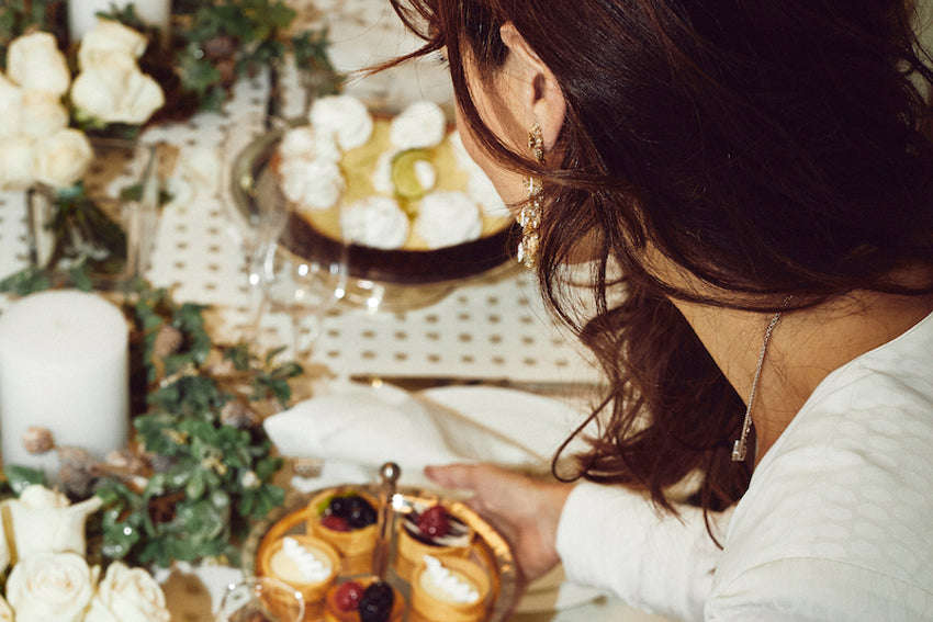 How to set a Chic Table with Verda: A Guide to Holiday Decorating