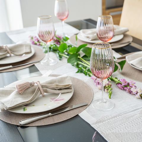 Valentines Blush Tablesetting
